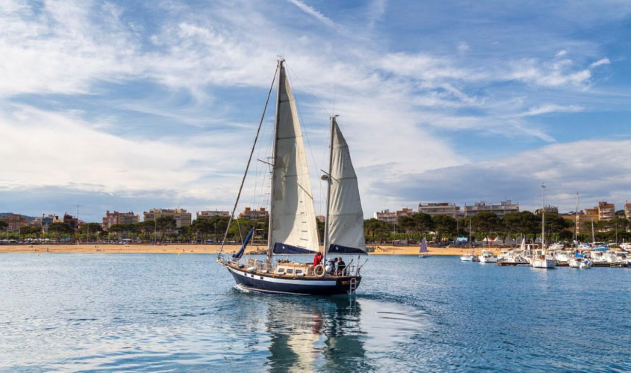 Visit gu xols 4 activit s nautiques - Sant feliu de guixols office du tourisme ...